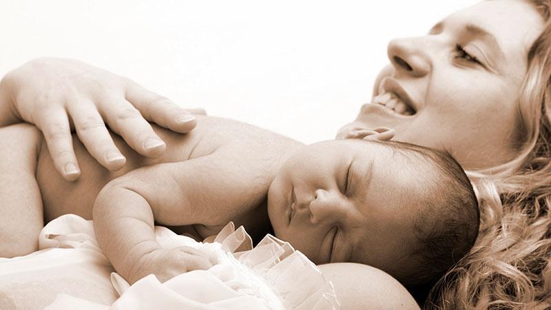 Ребенок, рожденный в самолете, получает гражданство страны самолета