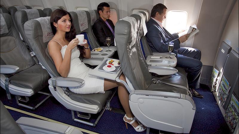 Обслуживание эконом класса в самолете
