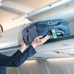 Куда положить чемодан в самолете