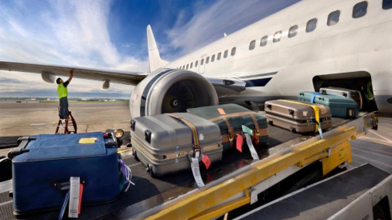 Максимально допустимый вес сумки, которая занимает место в багажном отсеке - 32 кг (<span class=