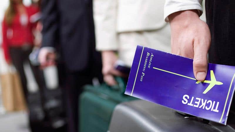 Выгоднее покупать билеты на самолет в аэропорту или на сайте