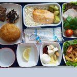 Чем кормят в самолете эконом класса