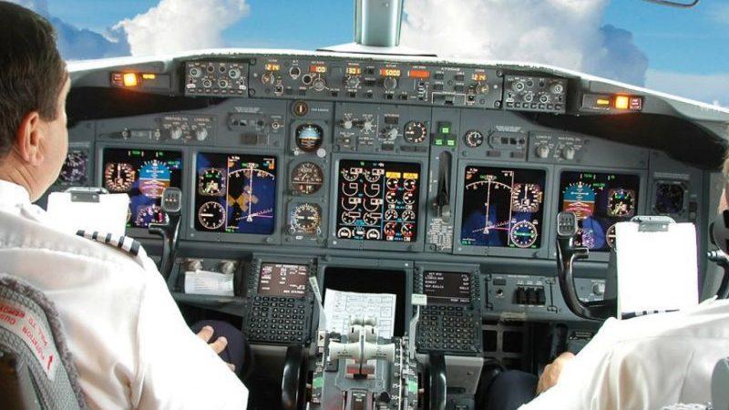 сколько зарабатывают пилоты самолетов