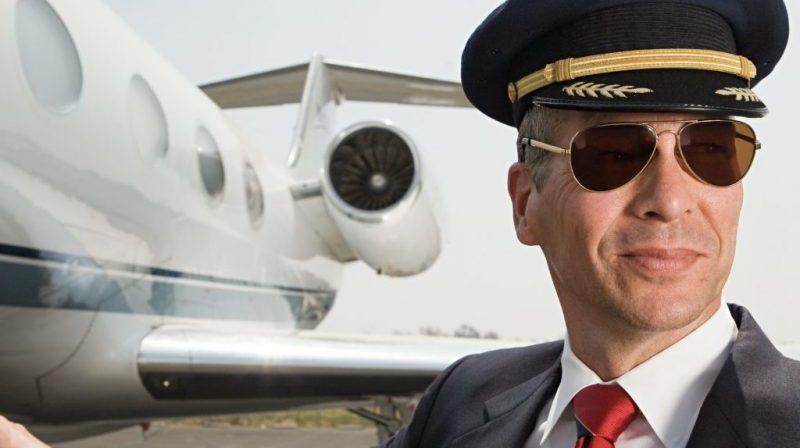 как стать пилотом самолета гражданской авиации в России
