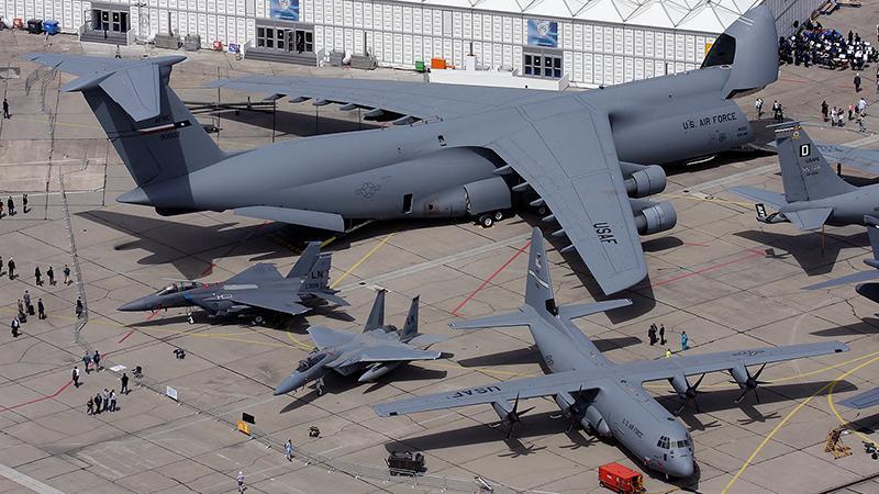 """Самый большой в мире грузовой самолет Ан-124 """"Руслан"""""""