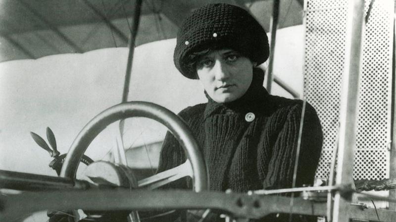 Первая женщина-пилот