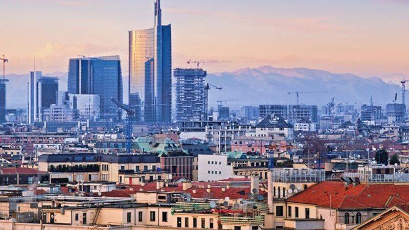 сколько лететь до Италии до Москвы