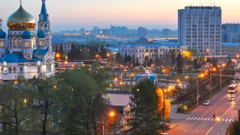 сколько лететь до Омска из Москвы