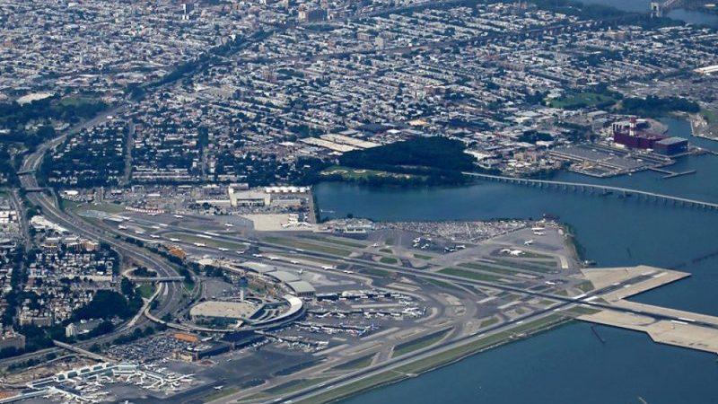 сколько аэропортов в Нью Йорке