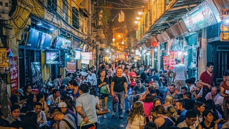 Время полета Сургут - Вьетнам
