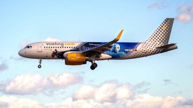 """Испанская авиакомпания-лоукостер """"Vueling Airlines"""" (Вуэлинг Эйрлайнс)"""