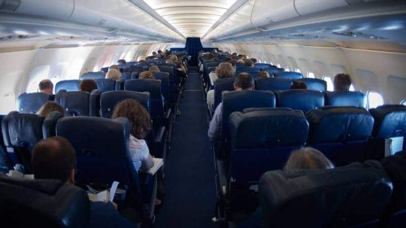 """Схема салона и выбор лучших мест в самолете """"Победа"""""""