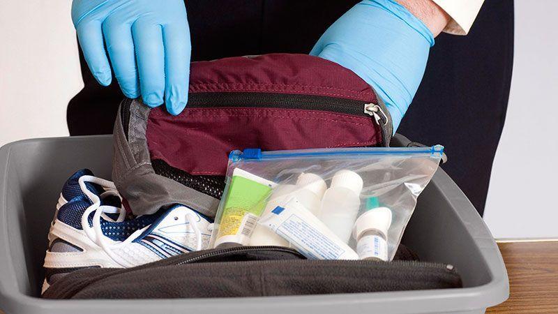 """""""Победа"""" меняет правила перевозки вещей в самолетах: ручная кладь и сдаваемый багаж"""