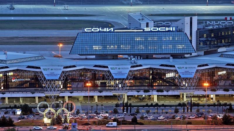 """Где находится аэропорт """"Сочи"""" и есть ли он в городе"""